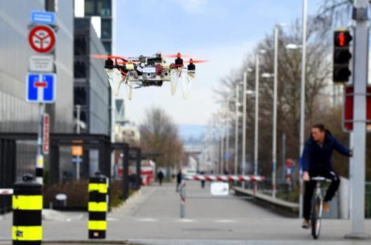 苏黎世大学研发DroNet算法 利用深度学习赋予无人机导航功能