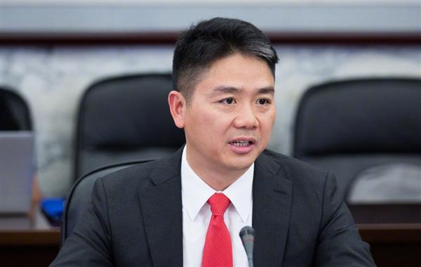刘强东吃米线引千万网友围观:大呼大佬们真辛苦