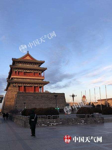 北京冰冻和蓝天同时在线 最高气温仅-3℃注意防寒保暖