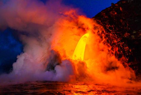 2017火山喷发震撼画面 感受大自然神奇力量
