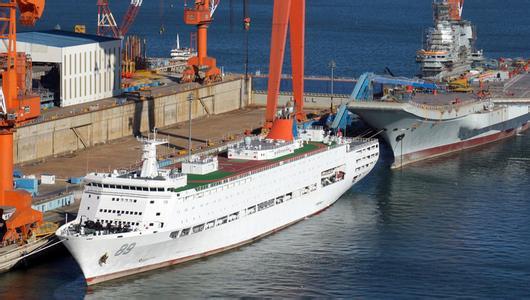 港媒:保障船到位 中国首艘国产航母或将海试