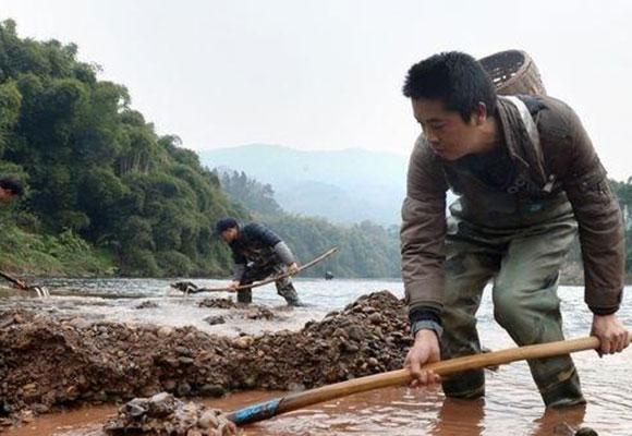 重庆百年古镇掀寻玉潮 专家:玉质可媲美玛瑙