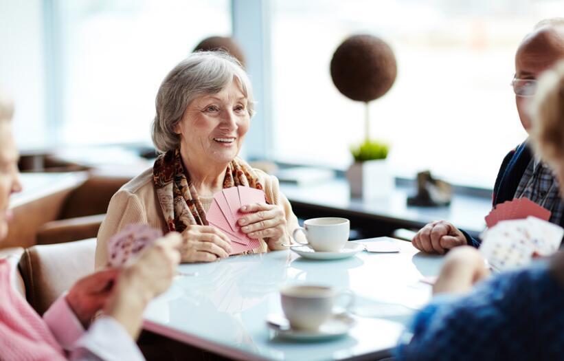 外媒:老年人如何应对孤独 或许只需一份创新