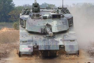 泰国陆军大秀VT4坦克性能 上演铁甲雄狮视觉盛宴