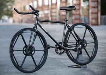 德男子设计可折叠自行车轮 便于收藏可带上飞机