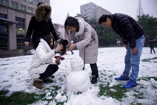 今冬最强寒潮降雪发威 未来几天都是冷冷冷