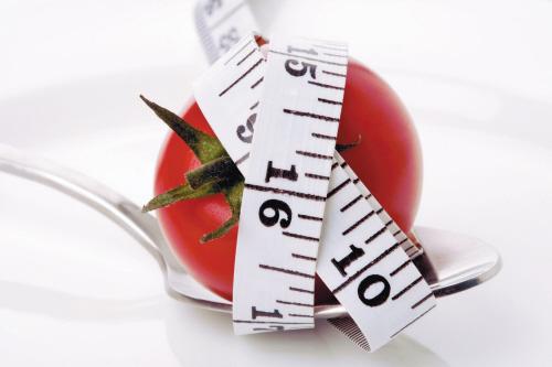 """流行的""""轻断食"""" 贫血、高血压、便秘者不适合"""