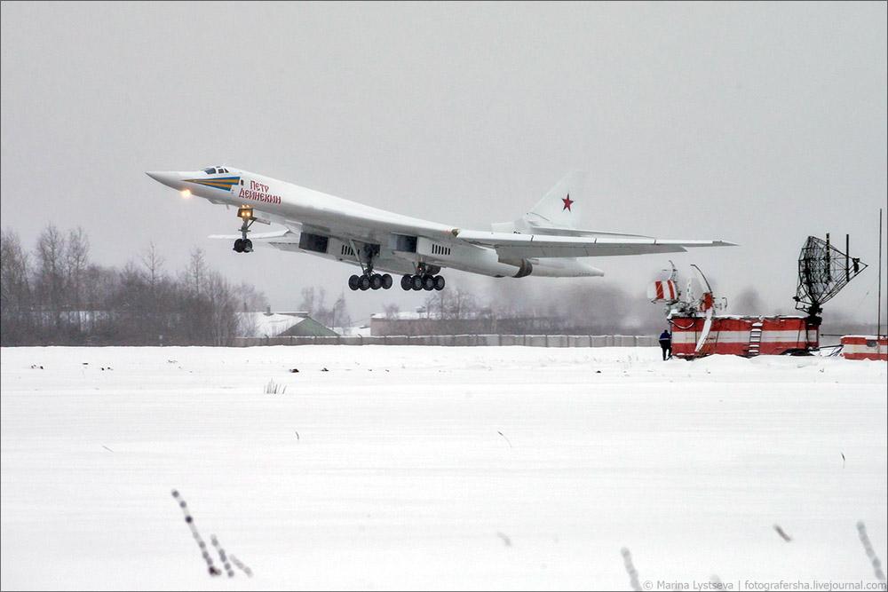大手笔!俄将出动图160战略轰炸机巡航北极地区