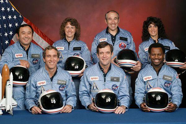 """32年前:""""挑战者""""号航天飞机升空爆炸"""