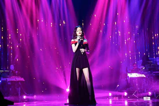 """张韶涵《歌手》挑战多变风格 告白那个""""他"""""""