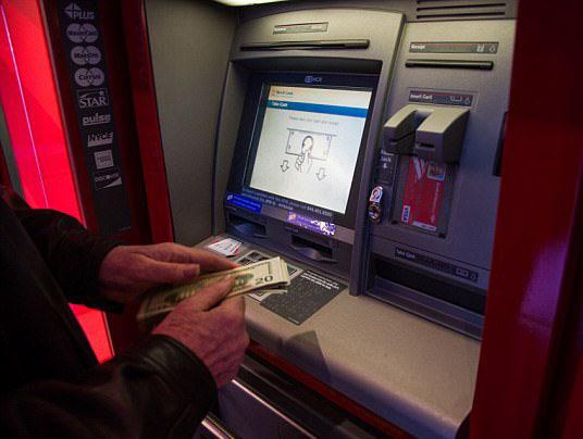 厉害了!黑客攻击美国自动取款机迫使其吐钱