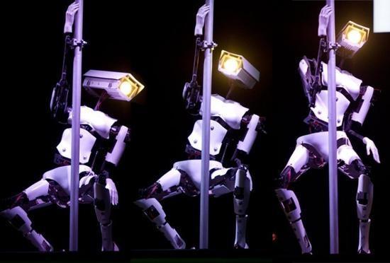 科学家造情趣机器人:这画面引宅男疯狂围观
