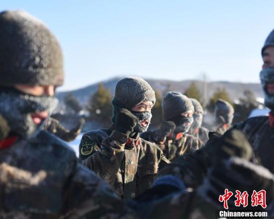 边防官兵-34℃极寒天气训练 满面冰霜