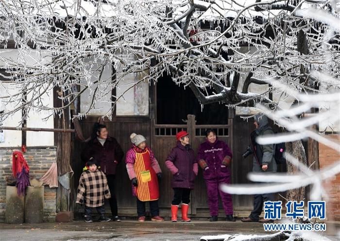 中央有关部门和地方全力应对南方雨雪灾害
