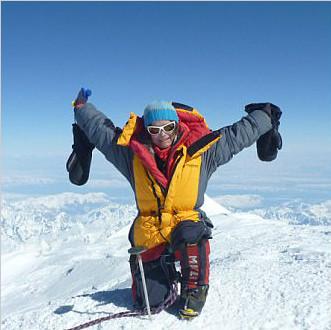 勇敢!澳母亲踏遍七大洲最高峰欲征服南北极