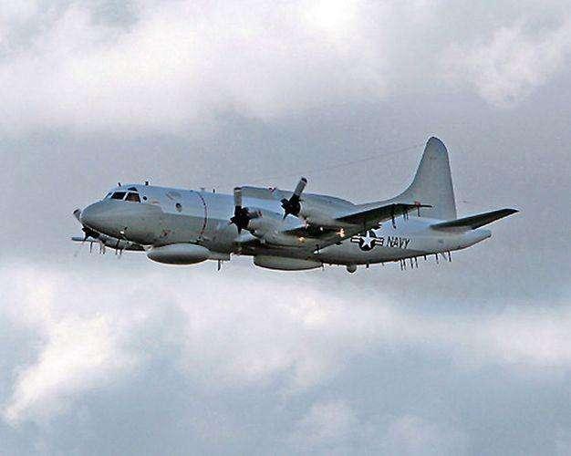 黑海上空的交锋!俄军苏27拦截美军EP3E侦察机