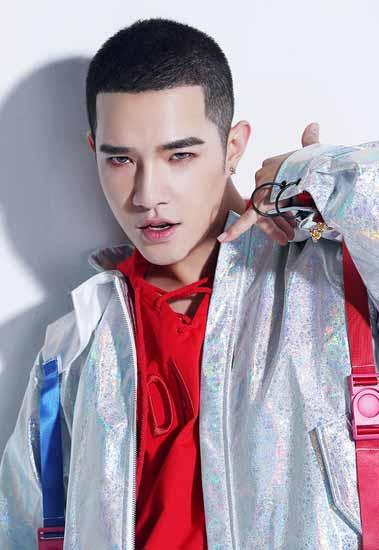 王耀辰首单《没想过爱上你》 荣登销量榜冠军
