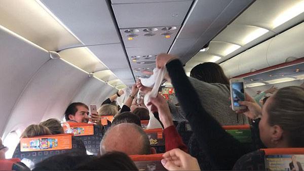 城会玩!廉价航空航班延误带乘客玩游戏化解无聊