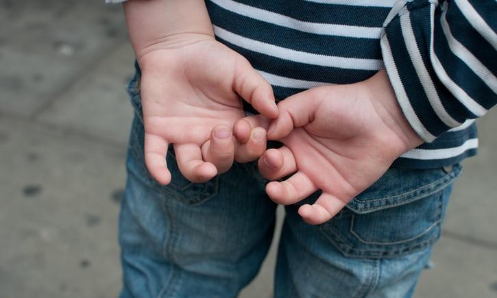 儿童自我伤害行为易被忽视 有孩子三岁开始自残