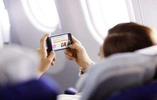 导购:航空放开手机限制 带条好耳机享受机上娱乐