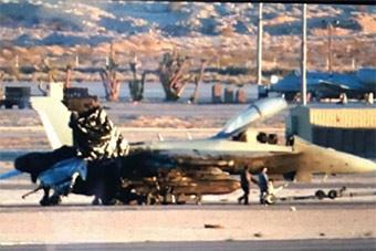澳EA18G参加红旗军演出乱子:冲出跑道重伤