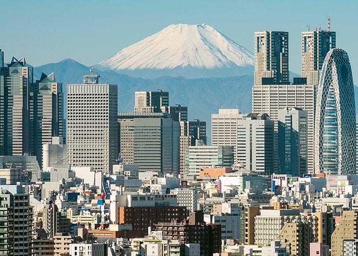富士山下 浪漫特快奏冬日恋歌