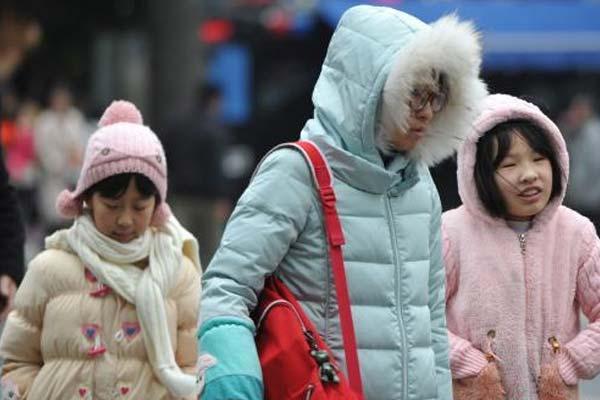 受多股冷空气影响 福州湿冷难耐