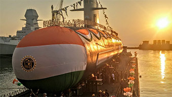 印度第3艘鲉鱼级潜艇在孟买下水
