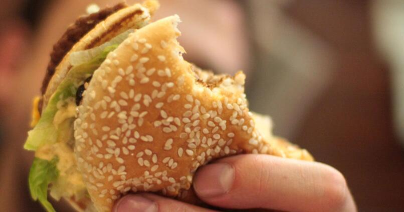 外媒:胆固醇过量可使肠癌发病率增加