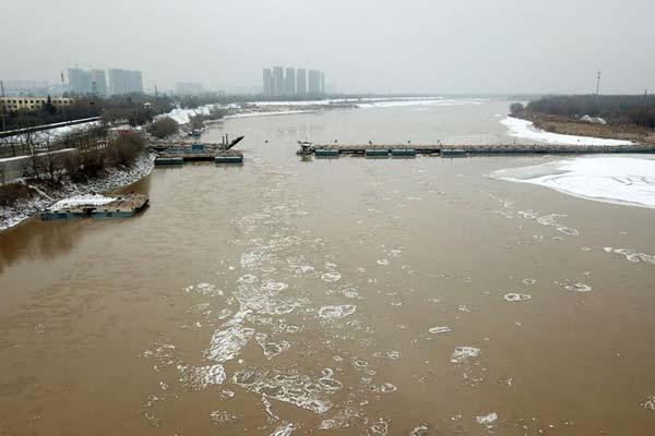 """济南:拆除黄河浮桥为淌凌""""让路"""""""