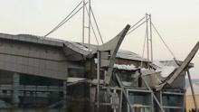河南一体育馆门前飞檐被大雪压塌 馆方:无人员伤亡