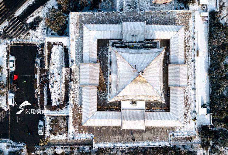 """无人机垂直视角瞰雪中济南 陌生的""""几何""""别样美"""