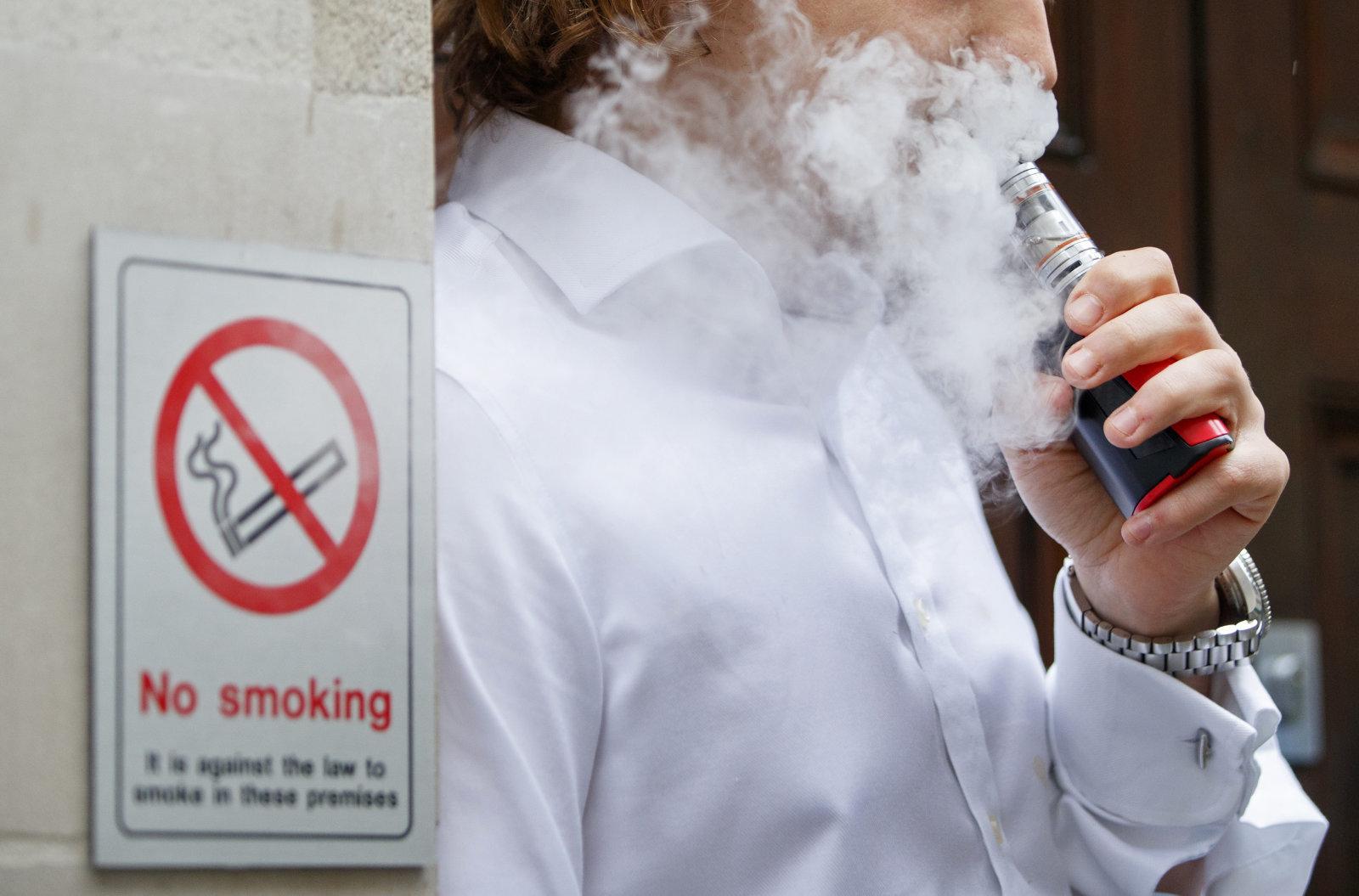 抽电子烟没危害?科学家:患癌得心脏病几率上升
