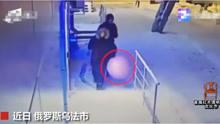 俄罗斯两笨贼携气球偷银行 门被炸飞ATM机却完好