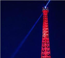巴黎埃菲尔铁塔2017年吸引逾600万游客