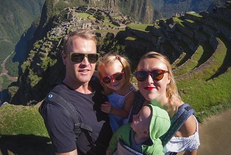 羡慕!爱尔兰妈妈产假期间携两宝宝游世界