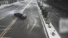 监拍多名90后驾豪车雪地公路上漂移