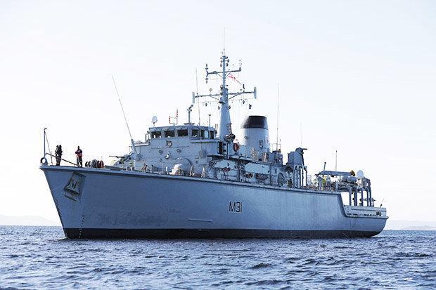 """英国派""""塑料船""""拦截俄罗斯潜艇 发言人:就它适合"""