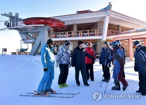 韩45人滑雪团乘包机赴朝鲜 进行两天联合训练