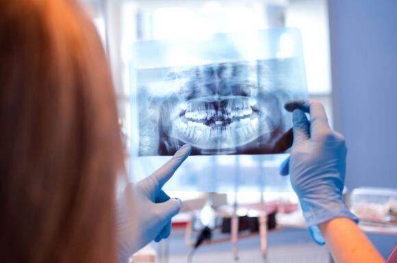 美国研究:牙龈疾病不容小觑 延误治疗或致癌