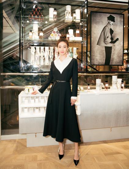 王丽坤传递香氛之爱 共享法式生活美学