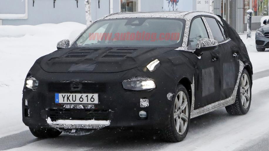 全新车型曝光 领克两箱原型车开展冬季测试