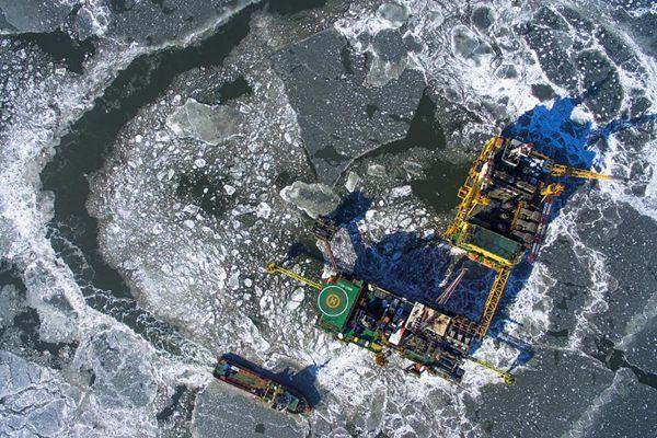 """北京人在期雪 这群人却在海上""""抗冰"""""""