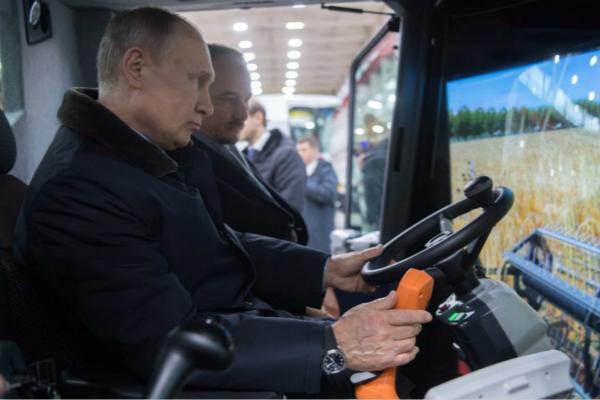 普京:要是没有赢得大选 我干脆就去当收割机司机