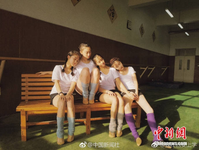 美哭!济南高校女大学生上演现实版《芳华》