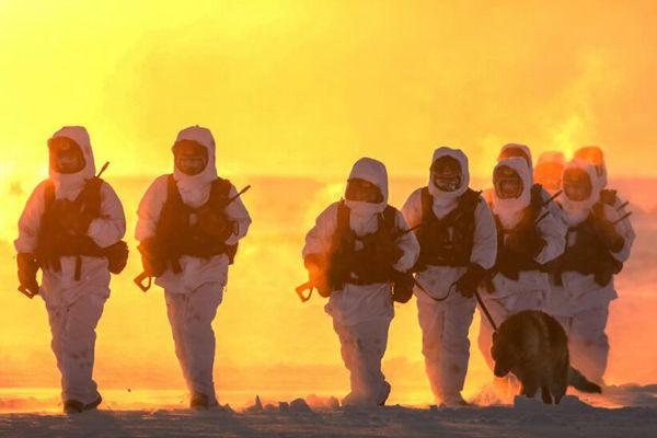 -30℃ 边防官兵巡逻美成一幅画
