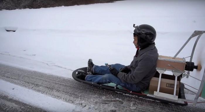 这个DIY电动空气雪橇 没雪也能滑行