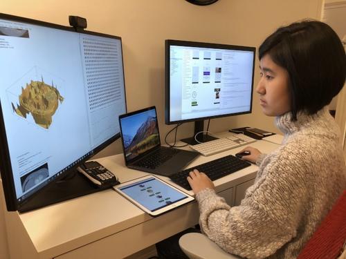美媒:美国14岁华裔生开发app 帮助失智患者记起亲人