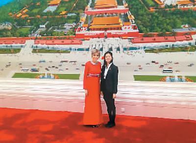 法国华裔姑娘给总统夫人当翻译:学中文是任务