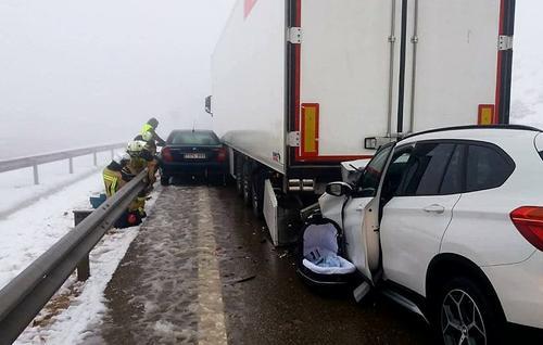 外媒:西班牙发生严重车祸致两死两伤 死者均为中国籍